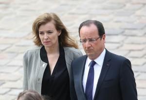 Valerie-Trierweiler-Francois-Hollande-aux-obseques-de-Pierre-Mauroy-aux-Invalides-a-Paris-le-11-juin-2013_exact1024x768_l